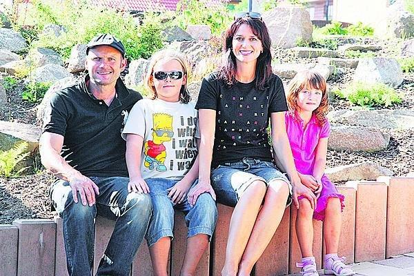 Se synem Tadeášem, sestrou Adélou a její dcerou Nelou.
