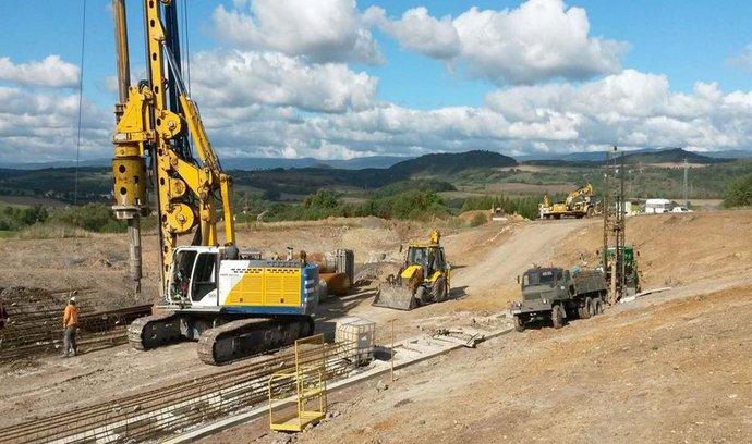 Stavba posledního úseku dálnice D8 (ilustrační foto)