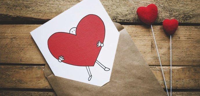 Co (ne)dávat k Valentýnu: 8 tipů, jak proměnit klišé v boží valentýnské dárky