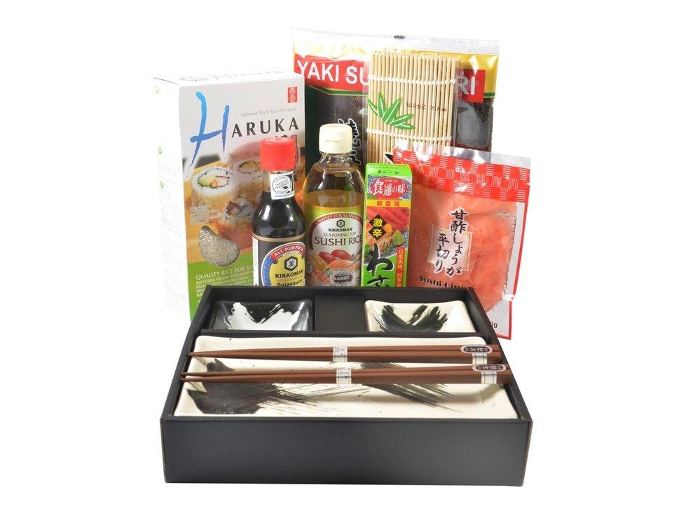 Set na přípravu sushi + japonský set na servírování, 1354 Kč, susi.cz