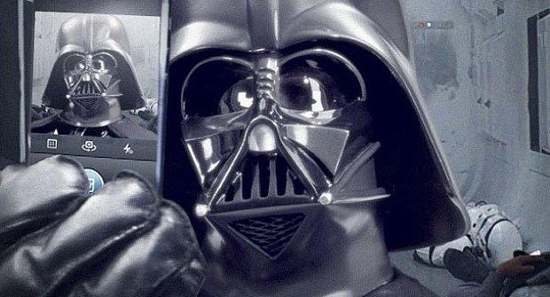 Darth Vader založil oficiální Instagram účet pro Star Wars