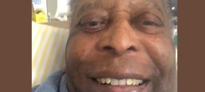 Pelé si z nemocnice volá se svou dcerou Kely...