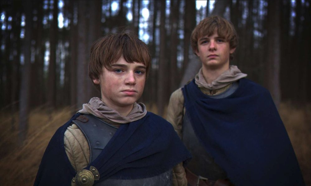 ...Chapman totiž před tím, než se stal Tommenem, ve dvou epizodách sehrál roli Martyna Lannistera
