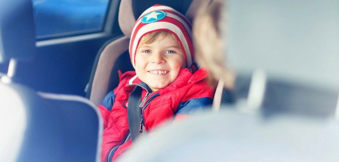 Skoncujte s nudou v aute, tieto hry budú deti baviť