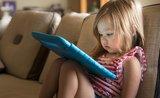 V jakém věku dát dětem elektroniku? Naučte je na ni postupně