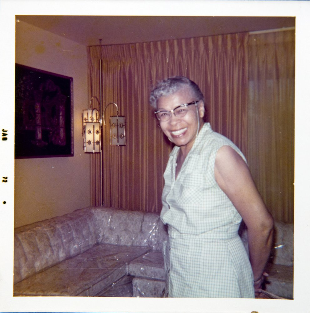 Babička Camille Rawlingsová držela rodinu pohromadě; zemřela v roce 1993, když jí bylo 94 let