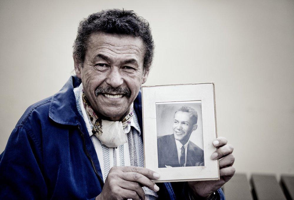 Robert Bešta s portrétem otce