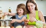 Praktické hry: vtáhněte děti do domácích prací