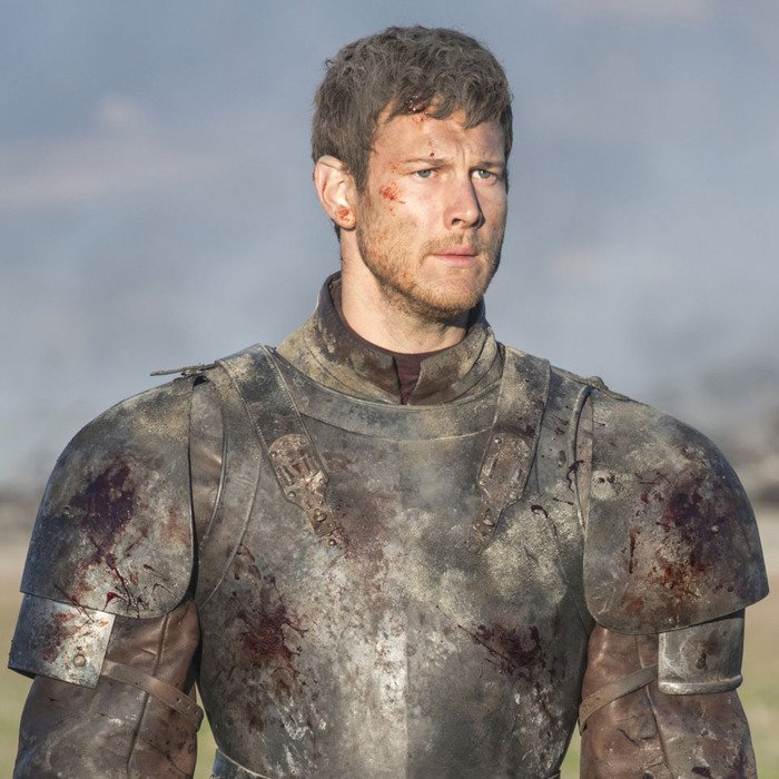 Ani Tom Hopper nesehrál významnější úlohu, ale objevil se ve čtyřech epizodách a nechal se efektně sežehnout od jednoho z draků Daenerys Targaryen