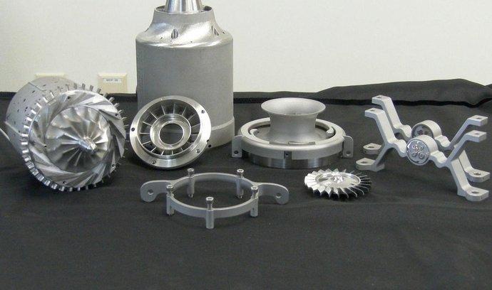 Díly experimentálního motoru General Electric z 3D tiskárny