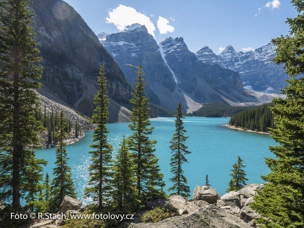 Jezero Moraine, nár. park Banff, Alberta, Kanada
