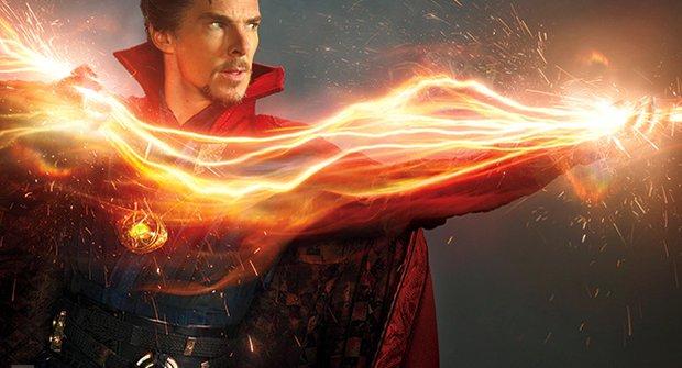 Doctor Strange poprvé: Sherlock na fotkách z filmu