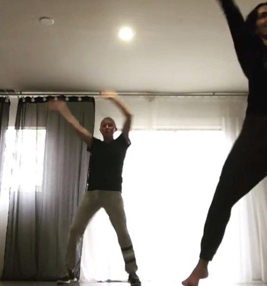 Shannen Doherty se při léčbě rakoviny oddává tanci.