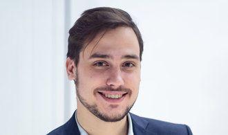 Inflace nás tlačí do gamblingu, investiční podvodníci toho využívají, říká Dominik Stroukal