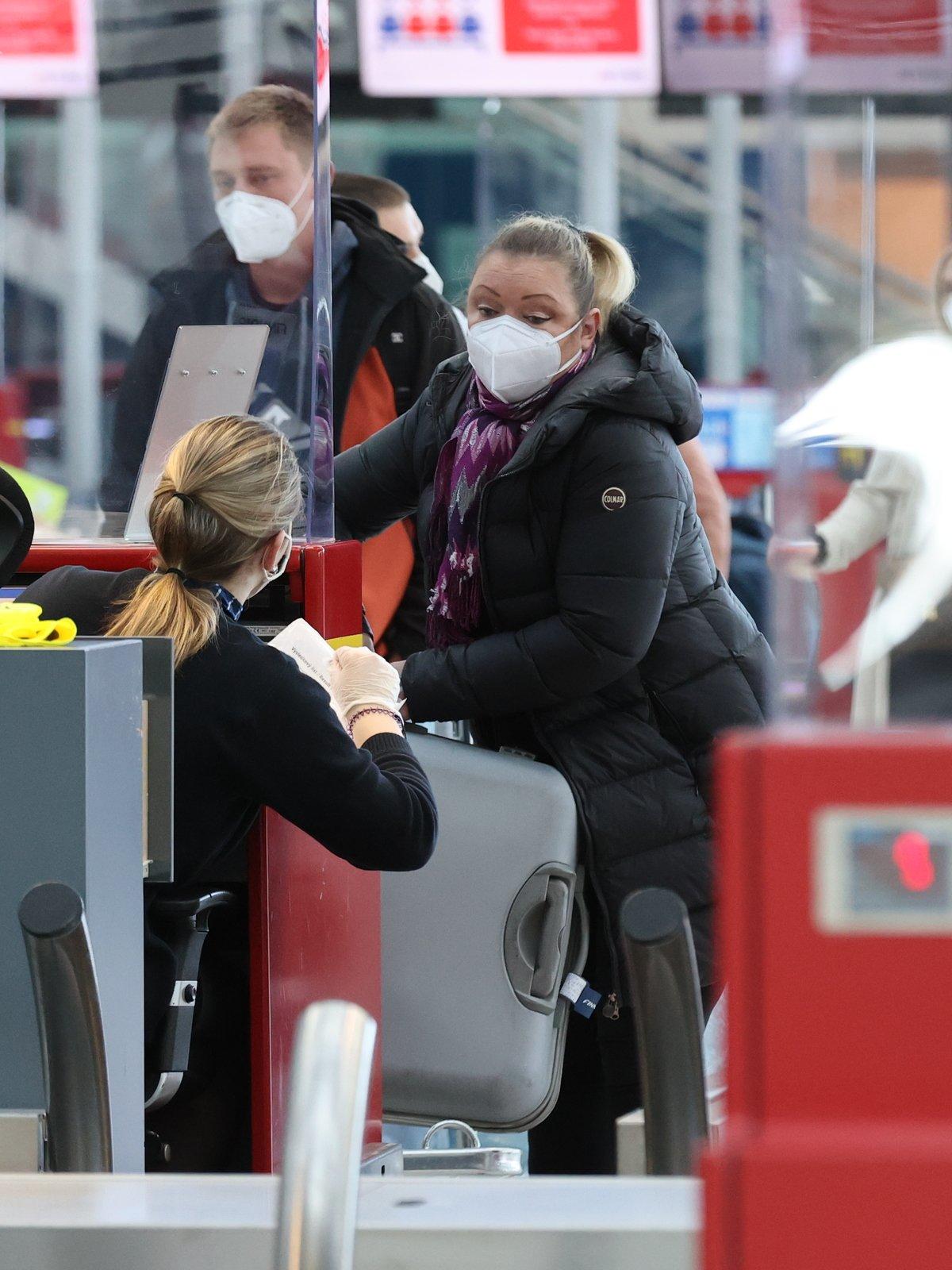 Dominika Gottová na letišti