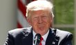 Donald Trump oznamuje odstoupení od pařížské dohody