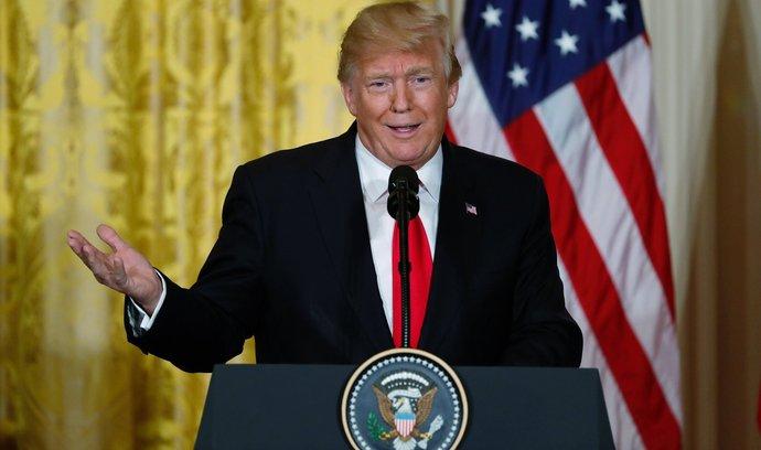 Americký prezident Donald Trump jednal se senátory o migrační reformě