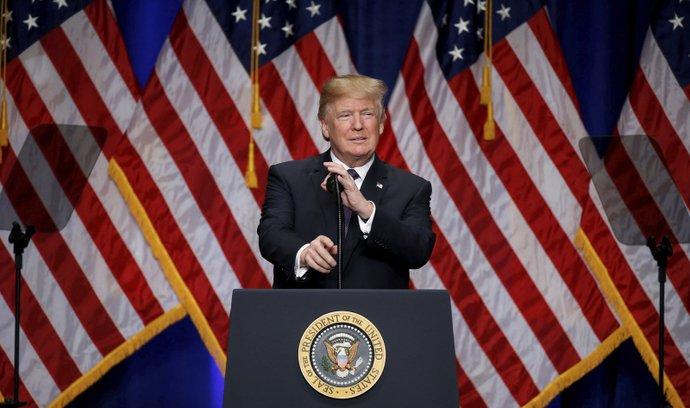 Trump při prezentaci nové Bezpečnostní strategie USA