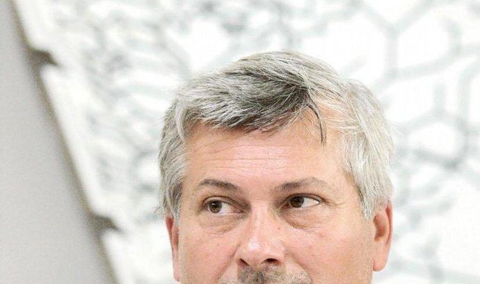Dosavadní primátor Ostravy Petr Kajnar si postavil vlastní kandidátku a ubral tak hlasy sociálním demokratům, za něž dříve kandidoval