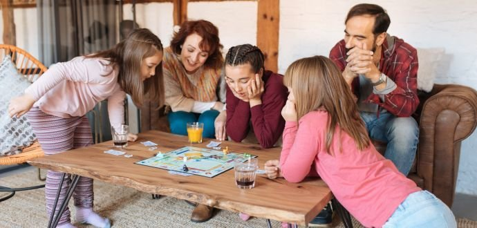 Zábava do batůžku: 8 deskových her, které vás na dovolené pobaví