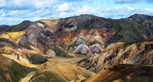 Podivuhodná místa: Duhové hory na Islandu
