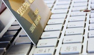 Rising despite.  E-shops are on track to break record turnover