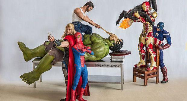 Galerie: Odvrácená strana života super hrdinů