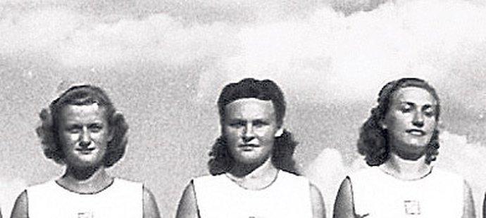 Československé gymnastky i se zensulou Eliškou Misákovou