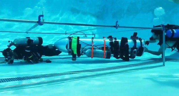 Divočák pod vodou: Mini ponorka Elona Muska