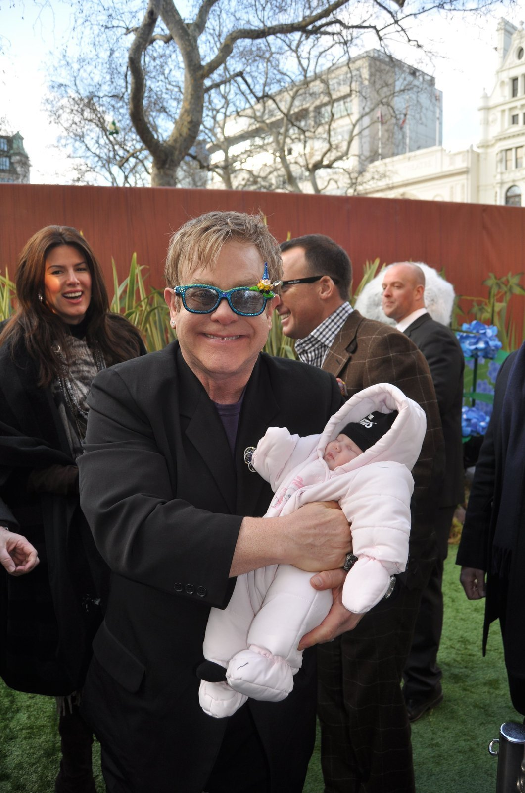 Elton John (64)