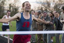 Recenze filmu Zátopek: David Ondříček staví proslulému běžci sice střízlivý, ale pořád pomník