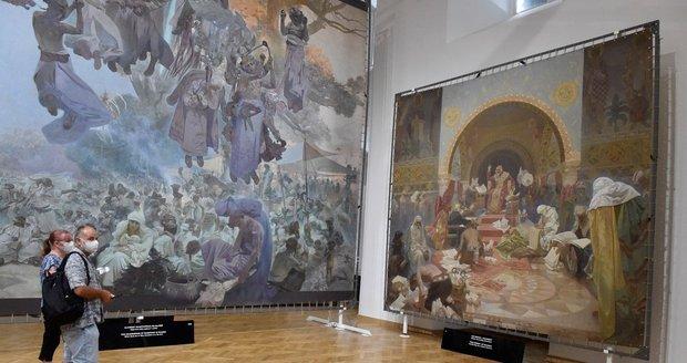 Výstava Slovanské epopeje Alfonse Muchy je opět na zámku v Moravském Krumlově.