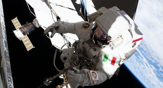 ESA vybírá nové astronauty. Na let kMěsíci se mohou dostat i Češi