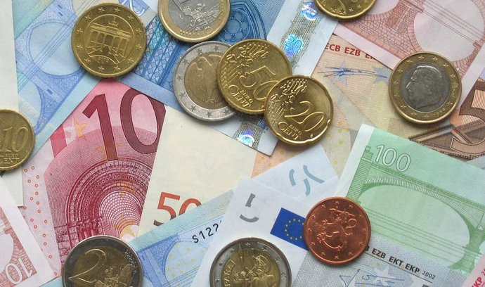 euro,peníze