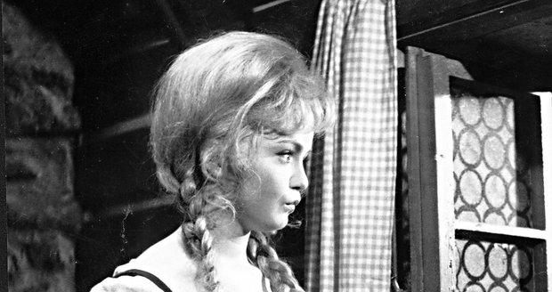 Eva Hrušková jako pracovitá Popelka v roce 1969