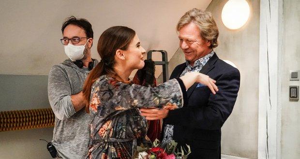 Narozeniny Evy Josefíkové na place Slunečné: Eva se seriálovým partnerem Marošem Kramárem