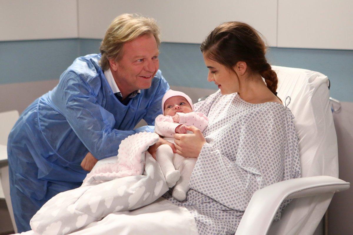 Herečka dostala do náruče krásné miminko.