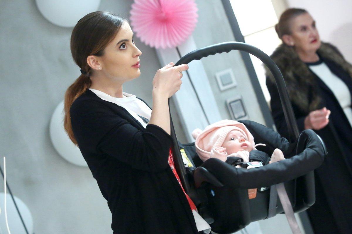 Díky seriálu Slunečná si Eva může vyzkoušet mateřství nanečisto.