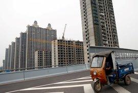 Krach čínské firmy Evergrande může uvrhnout svět do krize. Míra ekonomické…