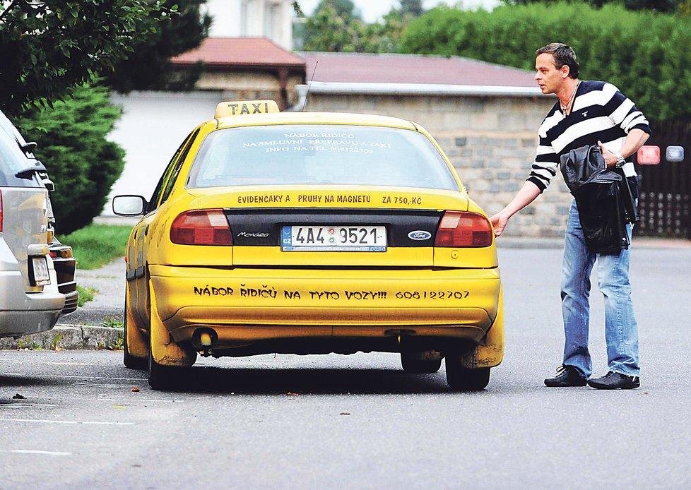 Rok 2010: Renč byl půl roku bez řidičáku a musel jezdit taxíkem.