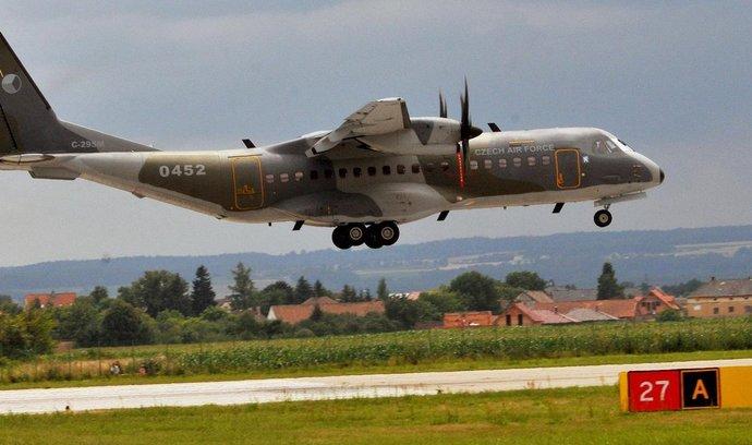 Exministryně obrany je podle podezřelá z nezákonného jednání v kauze nákupu armádních letounů CASA.