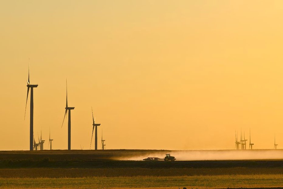 Výstavba největšího balíku větrných elektráren skupiny ČEZ nabírá zpoždění.