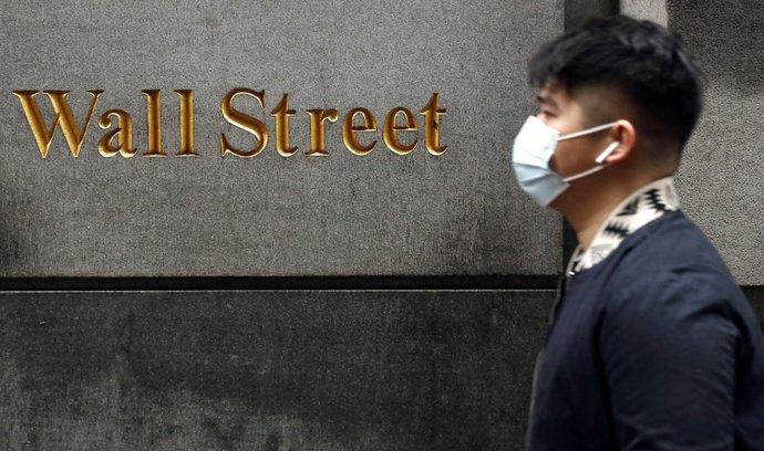 K oživení americké ekonomiky může podle šéfa Fed dojít až na konci příštího roku.