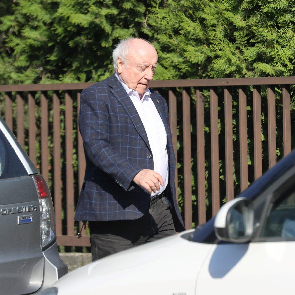 Oslava 65. narozeniny Dády Patrasové: Felix Slováček přinesl Dádě k narozeninám kus masa, pak odfrčel k milence