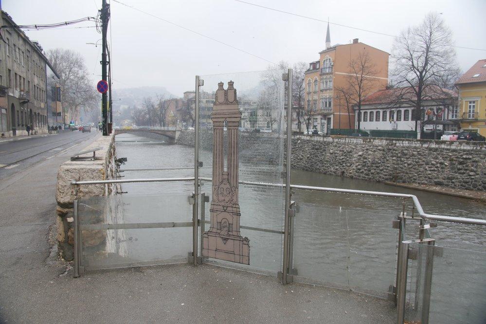 Místo, kde stával sloup na památku obětí atentátu