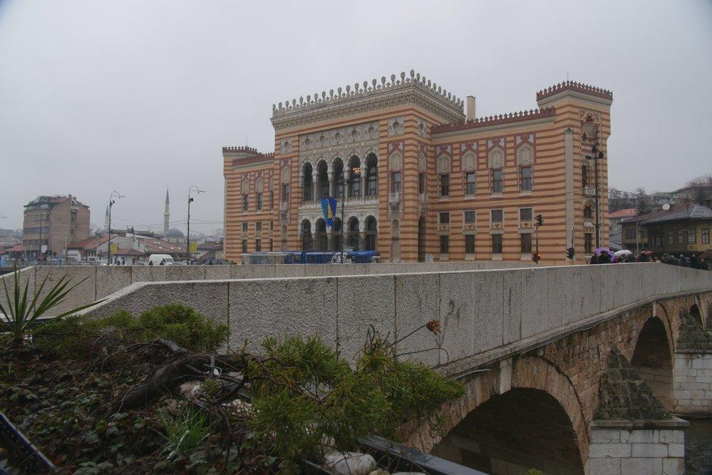 Bývala sarajevská radnice, kterou navrhl český architekt Karel Pařík