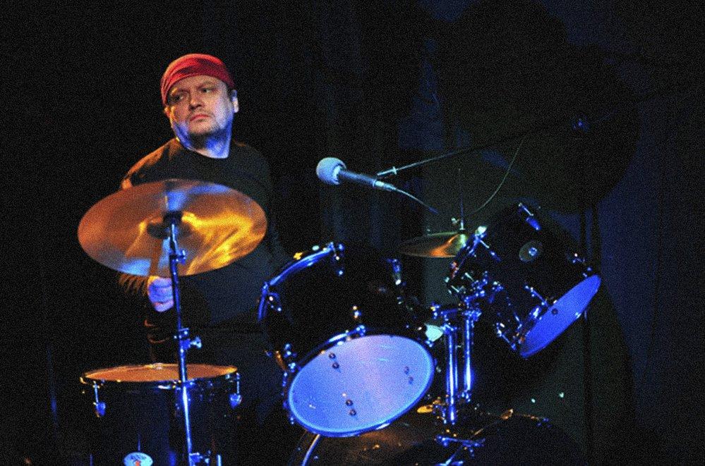 Homola je autorem scénické hudby k více než patnácti inscenacím v Česku i zahraničí