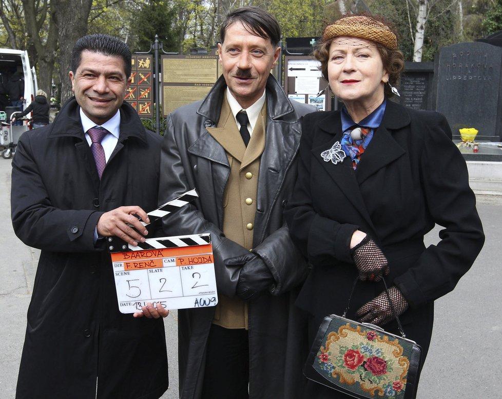 Renče na první klapce zastoupil producent Fawad Nadri (na snímku s P. Křížem a S. Stašovou).