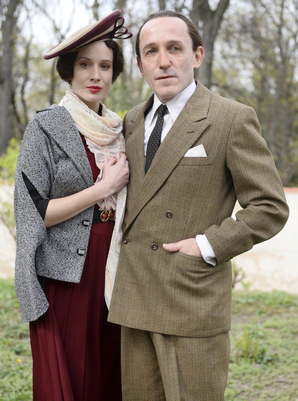 Táňa Pauhofová coby Baarová s hercem Karlem Markovicsem