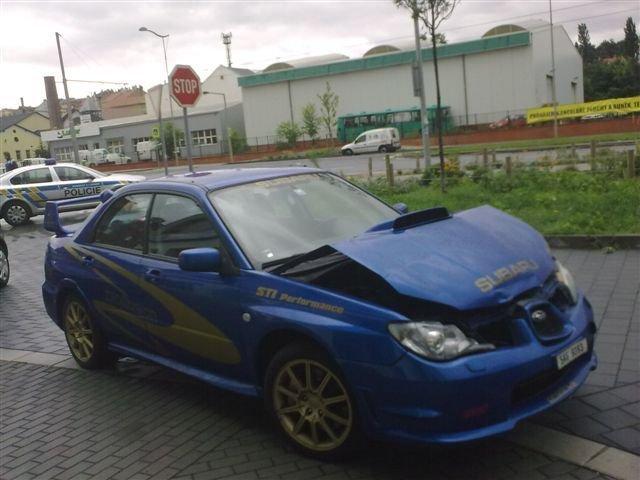 Rok 2010: Renč boural ve starším modelu třetí generace Imprezy